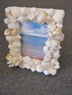 Beach Decor Seashell Picture Frame - Shell Frame - White Shells and Coral Picture Frame - Beach wedd Seashell Picture Frames, Seashell Frame, Picture Frame Crafts, Seashell Painting, Seashell Crafts, Coral Pictures, Sunflower Pictures, Marco Diy, Beach Themed Crafts