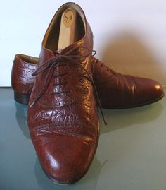 Vintage Johnston & Murphy Made in Italy Faux Alligator Shoes. Size 9.5 US by EurotrashItaly on Etsy