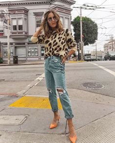 17 Outfits With Leopard Sweater Sweater 01 Leopard Print Outfits, Animal Print Outfits, Animal Print Fashion, Fashion Prints, Animal Print Style, Animal Print Jeans, Leopard Fashion, Animal Prints, Leopard Prints