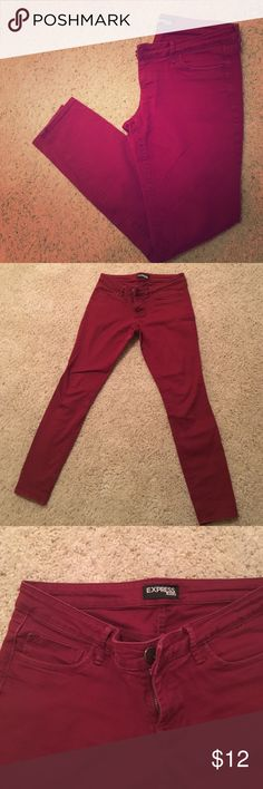 Cranberry Stretch Skinny Jeans | Express 8 The perfect pair of jeans - seriously! Skinny with a stretch, they are SO flattering with tops and ankle booties for a night out or a sweater and flats for work. I loved these jeans but outgrew! Small seam on back under pockets. Make an offer! Express Jeans Skinny