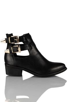 Daisy Street is an online store retailing women's celebrity led fashion. From Clothing to Shoes, Accessories, and Cosmetics. Buckle Boots, Footwear, Booty, My Style, Celebrities, Packing, Europe, Accessories, Shoes