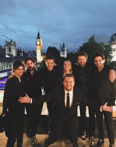 NEW | Harry with his band and James Corden on a rooftop in London last night. Late Late Show in London. Follow rickysturn/harry-styles
