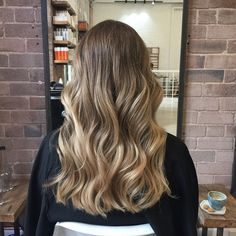 Just had my hair toned and cut at the beautiful @_edwardsandco salon. This is my hair in natural lighting with no filter so you can see the full effect. Lots of you are always asking me where I get my hair done- I would recommend @_edwardsandco in a heartbeat The staff are super friendly and oh-so-talented, and the salon itself is such a nice place to hang out, you'll never want to leave!