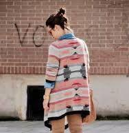 Descubre el estilo que más se llevará en este otoño/invierno 2016-2017: El estilo navajo o vestir como una Pocahontas moderna. #ideas #tips #estilo #navajo #etnico #boho #estampados #moda #ropa #otoño #invierno #2016 #2017