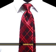 Kırmızı Bordo Ekose Kravat 5637 7,8 cm. Modern Orta Stil, Mikro Kumaş... www.sadekravat.com/kirmizi-bordo-ekose-kravat-5637 #kravat #kravatım #kravatmodelleri #tie #tieoftheday #pocketsquare #örgükravat #ketenkravat #ipekkravat #slimkravat #ortaincekravat #incekravat #gömlek #ceket #mendil #kravatmendilkombin #ofis #bursa #türkiye #çizgilikravat #şaldesenlikravat #ekoselikravat #küçükdesenlikravat #düzkravat #sadekravat
