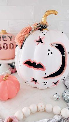 Halloween Pumpkin Designs, Pink Halloween, Halloween Queen, Halloween Porch, Halloween Birthday, Holidays Halloween, Halloween Kids, Halloween Pumpkins, Halloween Crafts
