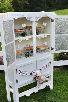 shabby chic pie display