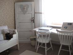 Mummolan tuoli valkoisena, kaunis!
