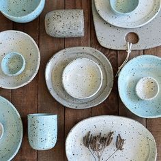 Despite feeling out-of-sorts and run down this past week I've managed to get lots of plates, bowls and cups through the kiln for this Saturday's GOMA market. I'm looking forward to seeing all my lovely customers, meeting new people and catching up with my favourite Brissie creatives - it always gives me a boost after long hours in the studio!! #susansimonini #ceramics #pottery  #australianceramics #ceramicdesign #tableware #ceramicstudio #qagoma #gomadesignmarket