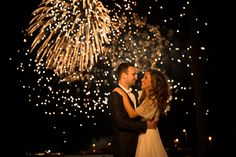 Nighttime Lovers   Chicago Wedding Photography FAVORITE ENGAGEMENT PHOTO! MUST DO