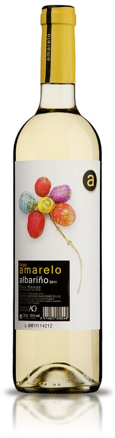 Adegas Galegas #wine #albariño Bago Amarelo Wine Drinks, Alcoholic Drinks, Cocktails, Beverage Packaging, Bottle Packaging, Wine Label Design, Wine Bottle Art, Wine Lover, In Vino Veritas