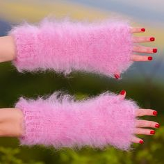 Pink hand knitted mohair gloves fingerless fuzzy soft hand warmers by SUPERTANYA #SuperTanya #Fingerless