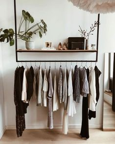 10 Open Closet Ideas for Small Bedrooms. 10 Open Closet Ideas for Small Bedrooms - Ten Catalog. Build wardrobe capsules for the seasons and present your best clothes forward with these 10 open closet ideas ideal for small bedrooms. Small Closet Space, Small Space Bedroom, Small Rooms, Large Bedroom, Minimalist Bedroom, Modern Bedroom, Contemporary Bedroom, Minimalist Closet, Bedroom Black