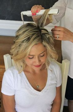 how to: beach waves for short hair - style - Little Miss Momma #beachstylesforshorthair