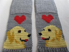Golden Retriever Scarf. Grey crochet scarf with red by hooknsaw