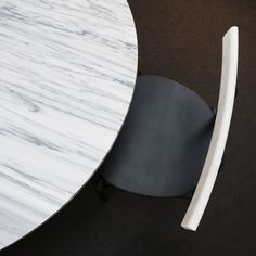 Mewoma table by Jonah Tagaki , Ronin chair by Frederik Werner & Emil Lagoni Valbak for La Chance - photo by Joséphine Aury - www. Wood Columns, Paris Home, Lighting Manufacturers, Dining Table Design, Raw Wood, Marble Top, Interior Design Living Room, Furniture, London