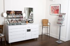 Professional Makeup Station | Mini salon.. tools and spaces for ...