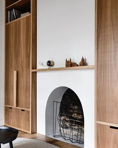 With a restricted palette and commitment to introducing natural light into the narrow bones of an existing Victorian terrace, Albert Park Residence sees Wellard Architects bring a sense of muted calm and openness into the home. Australian Interior Design, Interior Design Awards, Australian Architecture, Architecture Renovation, Computer Architecture, Architecture Jobs, Enterprise Architecture, Albert Park, Fireplace Design