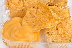 Такие чипсы намного вкуснее и полезнее классических. Готовить их можно не только из пармезана, но и из других твердых сыров. Готовится такое блюдо, если его можно так назвать, легко и быстро.