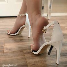 Girl's feet lover — Very sexy heels Pantyhose Heels, Stockings Heels, Sexy Legs And Heels, Hot High Heels, Platform High Heels, Beautiful High Heels, Gorgeous Feet, Girl Soles, Frauen In High Heels