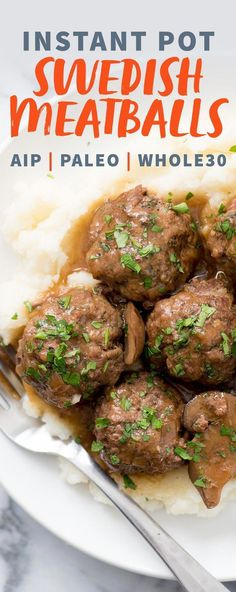 The whole family will love these comforting Instant Pot Swedish Meatballs with Mushroom Gravy. And thanks to the Instant Pot, dinner will be ready in 40 minutes! Whole 30 Meatballs, Meatballs And Gravy, Recetas Whole30, Cena Paleo, Whole 30 Instant Pot, Tutorial Diy, Stuffed Mushrooms, Stuffed Peppers, Mushroom Gravy