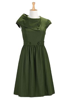 I ❤ this cotton poplin dress from eShakti. It's a little bit of Mad Men in 2013. Customizable style and fit, sizes 0-36W, and very flattering on Plus! http://j.mp/1aMllkV Too bad they don't sell shoes.