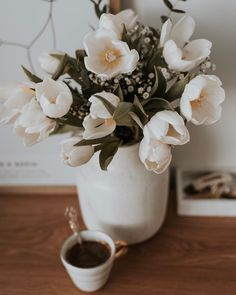Flowers For You, Pretty Flowers, Flower Aesthetic, Coffee Love, Good Mood, Magnolia, Bouquet, Meraki, Wallpaper
