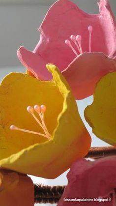 Kissankäpälä: Kevätkukat munakennoista, spring flowers from egg carton Crafts For Kids To Make, Kids Crafts, Diy And Crafts, Arts And Crafts, Egg Crafts, Easter Crafts, Paper Flower Centerpieces, Nail Designs Spring, Paper Roses