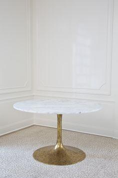 Iris Dining Table. Xk