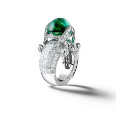 Giampiero Bodino Tesori del Mare ring in white gold, set with an emerald cabochon and diamonds. Image: Laziz Hamani
