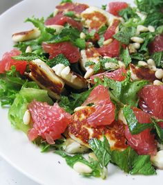 Halloumi, blood orange & mint salad