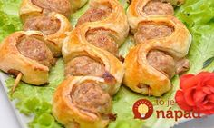 with puff pastry on skewers INGREDIENTS: minced meat - 500 g, puff pastry without yeast - soy sauce - 3 tablespoons. Kebabs, Skewers, Mince Recipes, Healthy Recipes, Yummy Snacks, Yummy Food, Shrek, Good Food, Brunch
