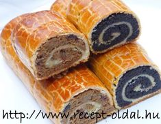 Hungarian sweet rolls - cakes : walnut and poppy seeds Hungarian Desserts, Hungarian Cake, Hungarian Cuisine, Ukrainian Recipes, Hungarian Recipes, Austrian Recipes, Croatian Recipes, Desserts To Make, Dessert Recipes