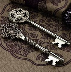 beautiful. I'd love to have a house that uses a key like these ones