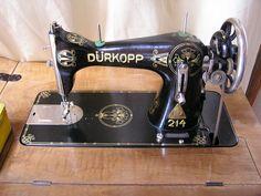 Wunderschöne alte Nähmaschine von Dürkopp mit goldener Verzierung (Durkopp 214 sewing machine) class 15