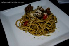 why buy if you can make it yourself? Pesto Sauce, Spaghetti, Bee, Make It Yourself, Canning, Ethnic Recipes, Kitchen, Food, Honey Bees