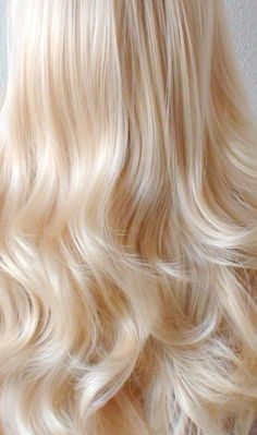 by kekeshop Blonde Hair Shades, Light Blonde Hair, Blonde Hair Looks, Brown Blonde Hair, Platinum Blonde Hair, Blonde Wig, Curly Blonde, Color Rubio, Haircut And Color