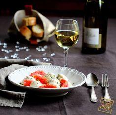 [Les recettes des #Loirelovers] BOULETTES DE #POISSON AU #PAMPLEMOUSSE ET LEUR SAUCE CREMEUSE - Un peu de fraîcheur au coeur des fêtes avec cette recette light et acidulée accompagnée d'un vin blanc du Val de Loire frais, élégant, au bouquet délicatement parfumé : #saumur blanc - #savennières – cru du #muscadet (gorges - clisson ou le pallet) #recette http://www.vinsvaldeloire.fr/fr/recettes/boulettes-de-poisson-au-pamplemousse-et-leur-sauce-cremeuse
