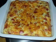 Crustless Savory Tart Ingredients: 3 Slices white bread crumbled 500 ml Milk 125 g bacon pieces (fried) 400 g viennas chopped 4 Eggs 1 ml dry. South African Dishes, South African Recipes, Ethnic Recipes, Africa Recipes, Unique Recipes, Quiche Recipes, Tart Recipes, Mince Recipes, Savoury Recipes