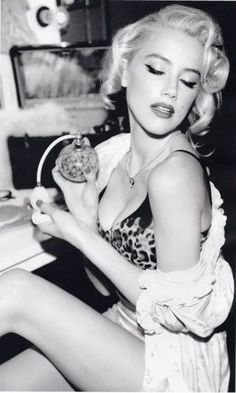 This is just old Hollywood Glam to me. Love it.