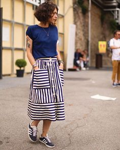 """Scott Schuman na Instagramie: """"Summer ease, nice harmony between the striped @adidasoriginals and the striped skirt! So simple but so effective, Florence"""""""