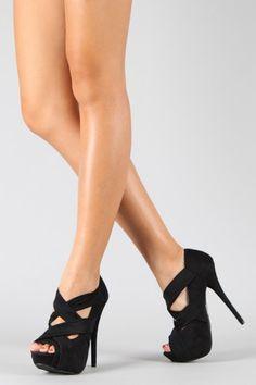 love love love strappy heels