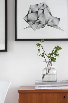 Via Talo Pihkala | Bright Scandinavian Living Room | Black, White and Wood | Geometric Print