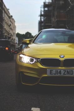 BMW M4 COUPE YELLOW STREET