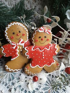 Gingerbread boy and girl Christmas cookies