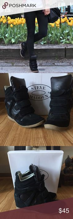 Steve Madden Sneaker Wedge Gently used hi light Steve Madden sneaker wedge scuff shown in the back of heel Steve Madden Shoes Wedges