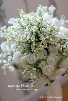Of all the bouquets you could have, pure white with natural greens is my absolute favorite.