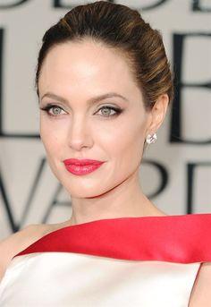 Angelina Jolie Golden Globe 2012
