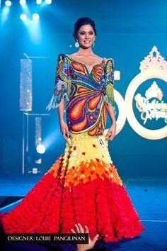 Ariella Arida - Miss Philippines Universe 2013 photos + video) Philippines Dress, Miss Philippines, Philippines Fashion, Philippines People, Philippines Culture, Modern Filipiniana Gown, Vietnam Costume, Filipino Fashion, Festival Outfits