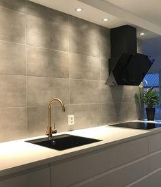 - Lilly is Love House Inspo, Tiny Spaces, Kitchen Design, Kitchen Tiles Design, Home Remodeling, Kitchen Layout, Kitchen Redo, Modern Tile Backsplash, Modern Kitchen Design
